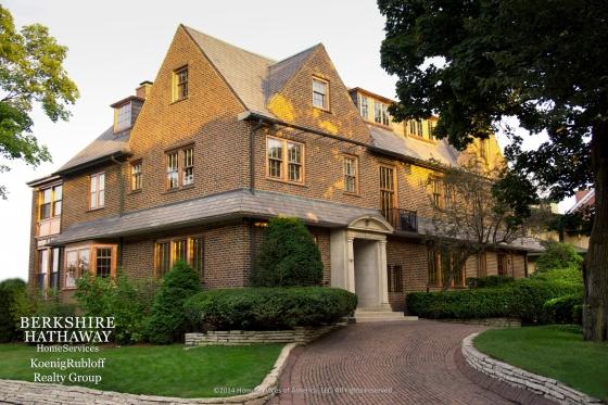 $2,600,000 | 747 Sheridan Road Evanston, IL 60202